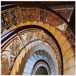 铜楼梯郁金香