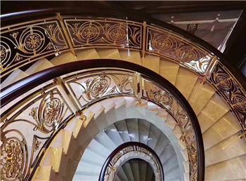 <b>郁金香铜楼梯</b>