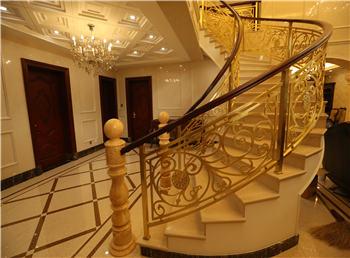 爱琴海铜楼梯