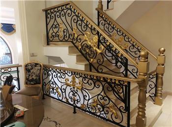 铜加铁楼梯
